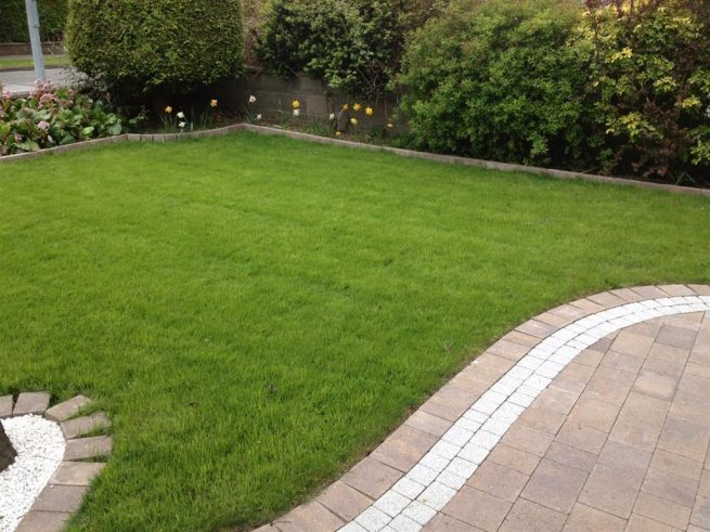 Garden Lawns. Total Paving And Landscaping ...